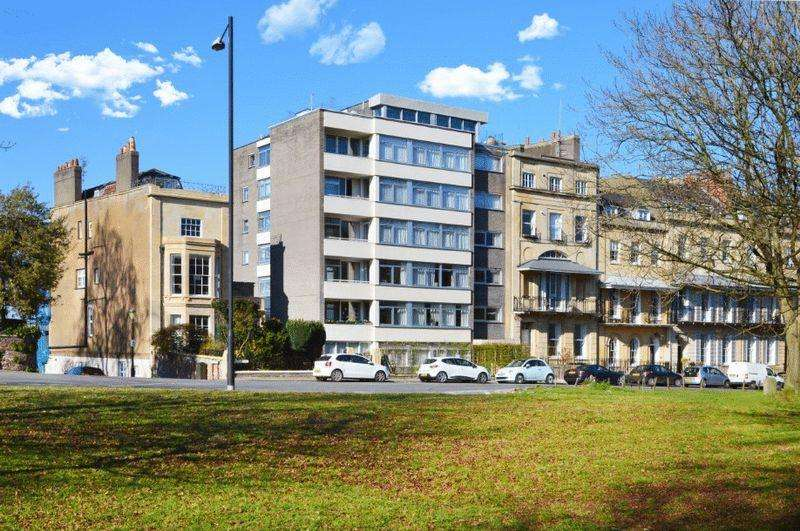 2 Bedrooms Apartment Flat for sale in Harley Place, Clifton