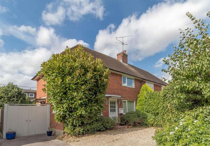 3 Bedrooms Semi Detached House for sale in London Road, Ruscombe, Reading