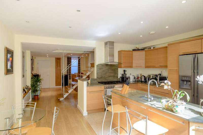 4 Bedrooms Terraced House for sale in Epple Road, London