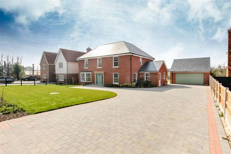 5 Bedrooms Detached House for sale in Mangapp Chase, Burnham-On-Crouch