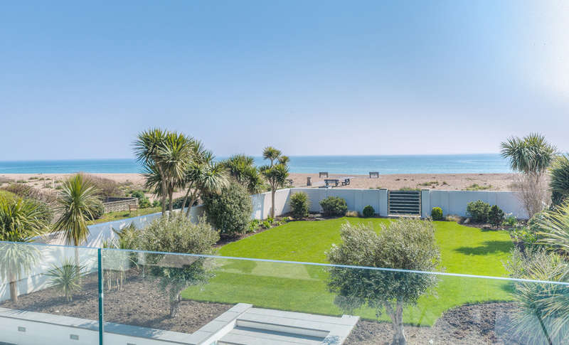 5 Bedrooms Detached House for sale in The Dunes, Aldwick Bay