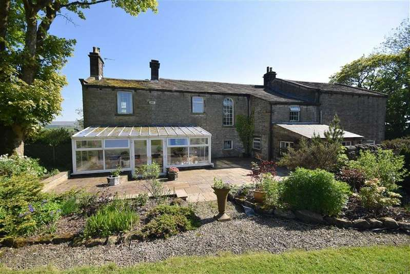 4 Bedrooms Detached House for sale in Hill Lane, Colne, Lancashire