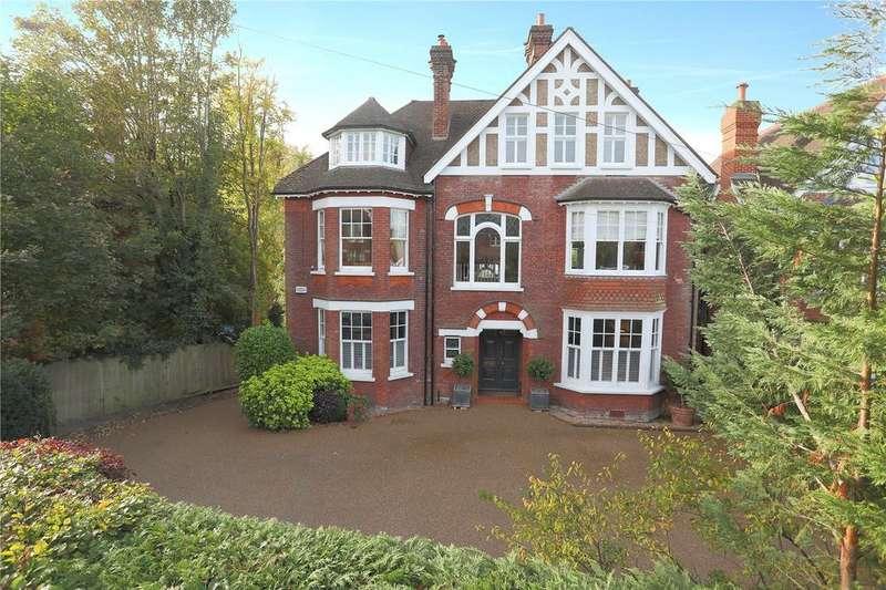 5 Bedrooms Detached House for sale in Boyne Park, Tunbridge Wells, Kent, TN4