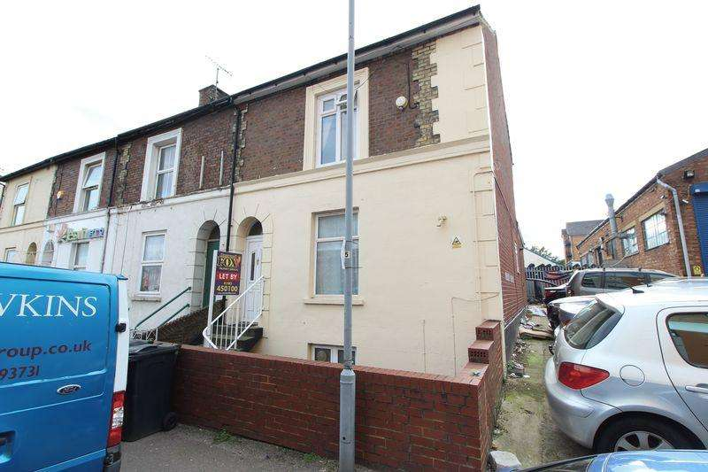 6 Bedrooms End Of Terrace House for sale in AMAZING INVESTMENT! TWO, THREE BEDROOM FREEHOLD FLATS!
