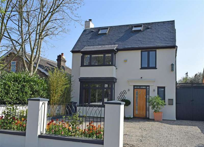5 Bedrooms Detached House for sale in Wensleydale Road, Hampton