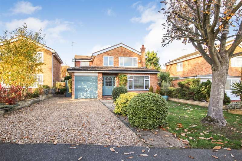 4 Bedrooms Detached House for sale in Orchard Drive, Leighton Buzzard