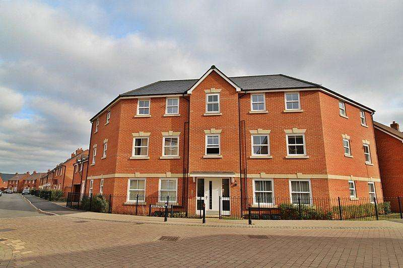 2 Bedrooms Apartment Flat for sale in SUPERB REALISTICALLY PRICED TOP FLOOR APARTMENT