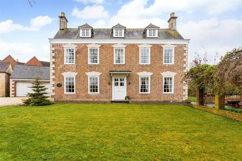 4 Bedrooms Detached House for sale in Church Road, Leonard Stanley, Stonehouse