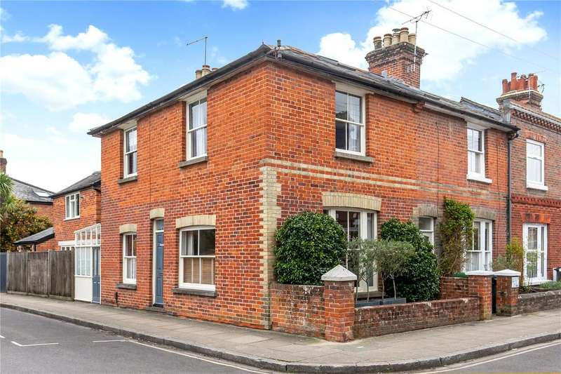 3 Bedrooms End Of Terrace House for sale in Hyde Abbey Road, Winchester, Hampshire, SO23