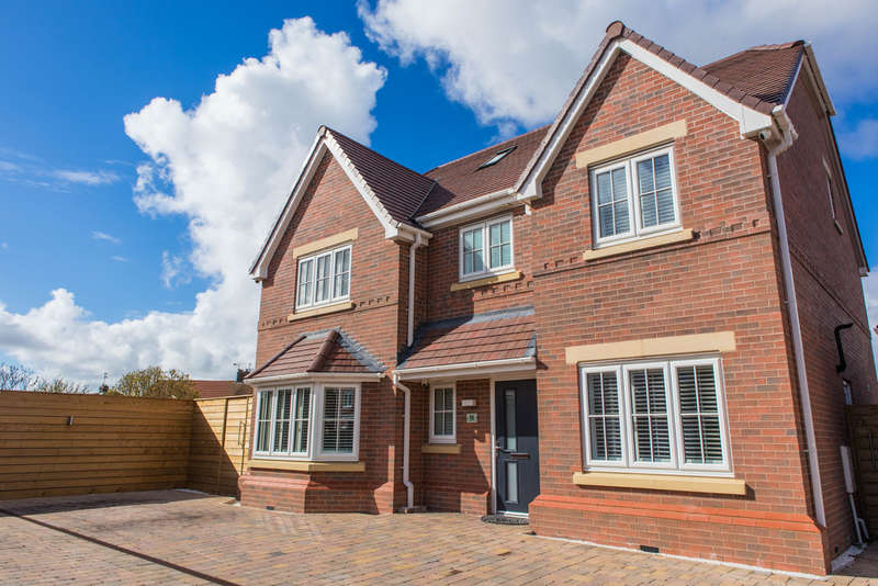 5 Bedrooms Detached House for sale in Thistledown Drive, Hightown, Liverpool, L38