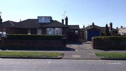3 Bedrooms Bungalow for sale in McLaren Street, Crewe, Cheshire