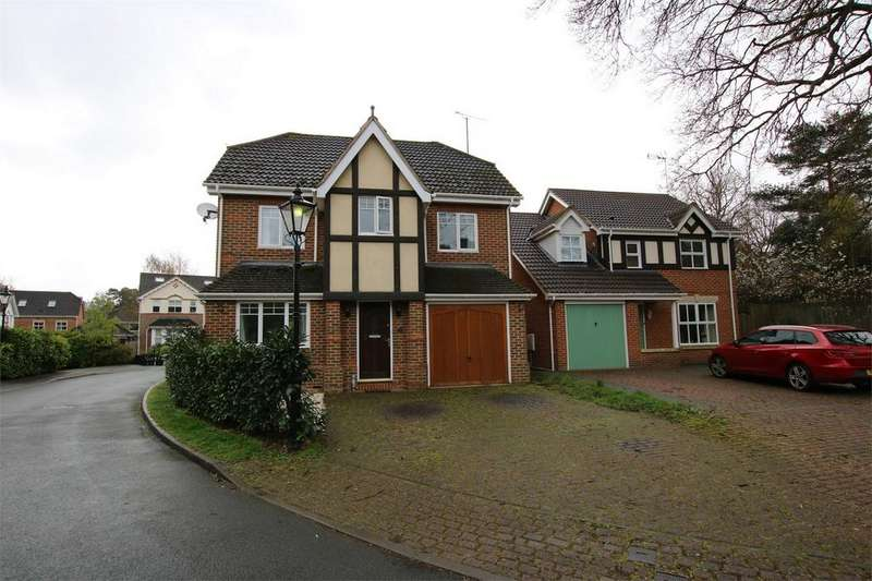 4 Bedrooms Detached House for sale in 26 Royal Oak Drive, CROWTHORNE, Berkshire