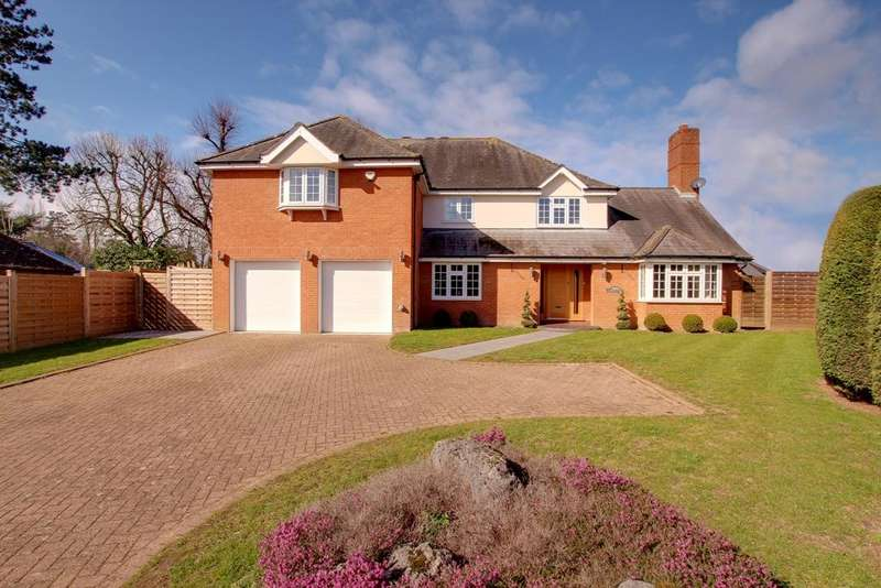 5 Bedrooms Detached House for sale in Danesbury Park, Bengeo, Hertford SG14