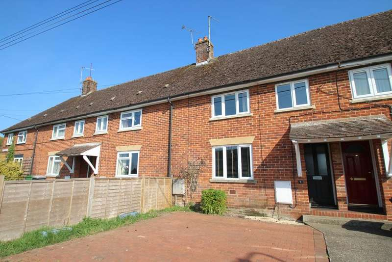 3 Bedrooms Terraced House for sale in Priory Avenue, Hungerford RG17