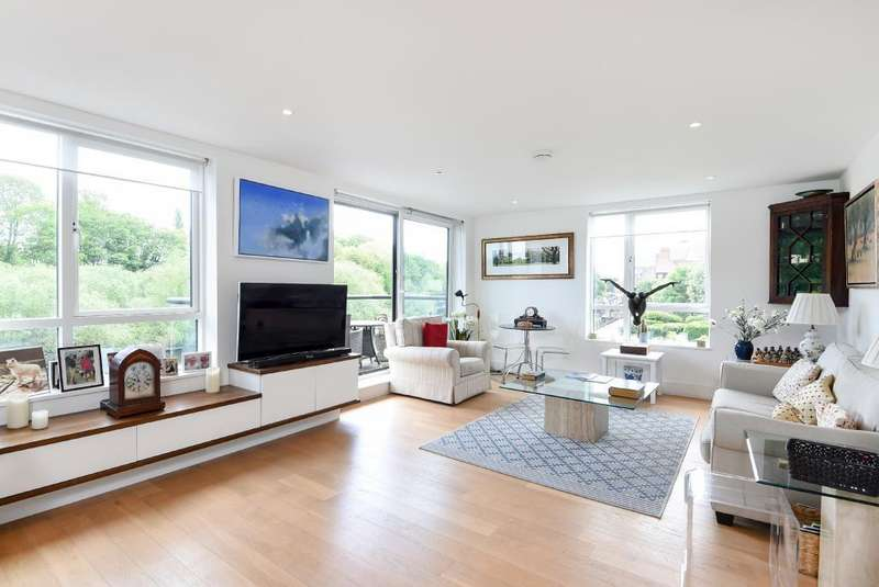 2 Bedrooms Maisonette Flat for sale in Mill House, Isleworth, TW7