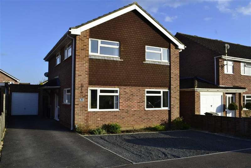 4 Bedrooms Detached House for sale in Trent Crescent, Thatcham, Berkshire, RG18