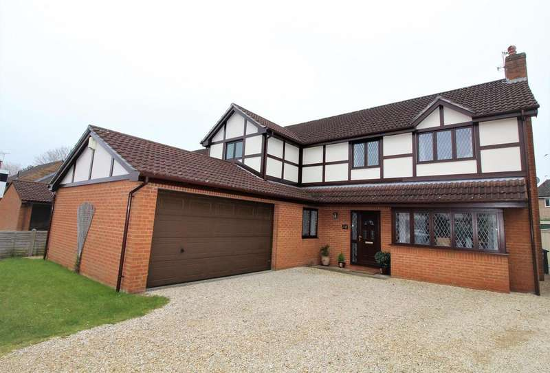 4 Bedrooms Detached House for sale in Kynges Mill Close, Frenchay, Bristol, BS16 1JL