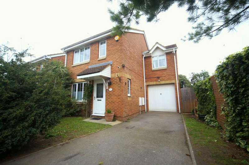 3 Bedrooms Link Detached House for sale in Formby Close, Slough, SL3