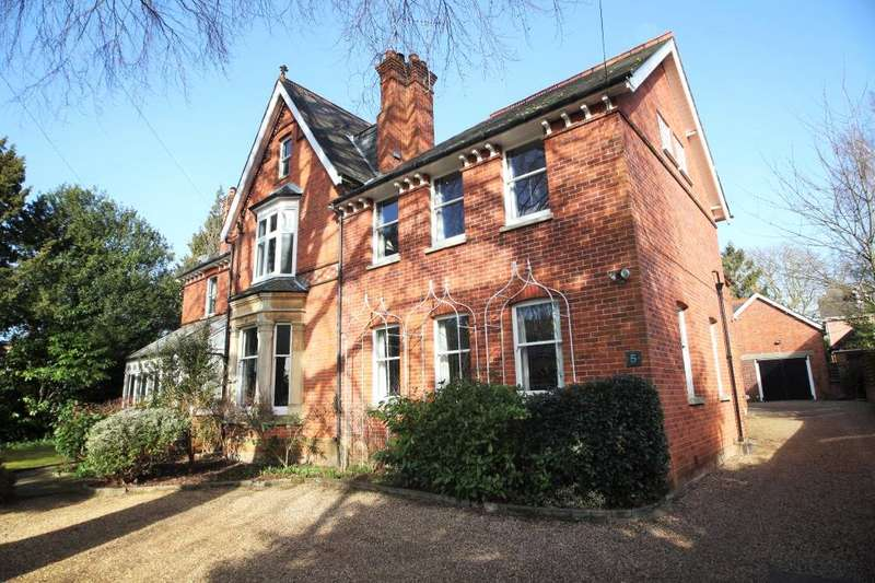 2 Bedrooms Flat for sale in Derby Road, Caversham, Reading, RG4