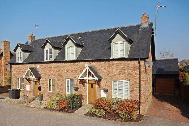 3 Bedrooms Semi Detached House for sale in Eaton Mews, Greenfield