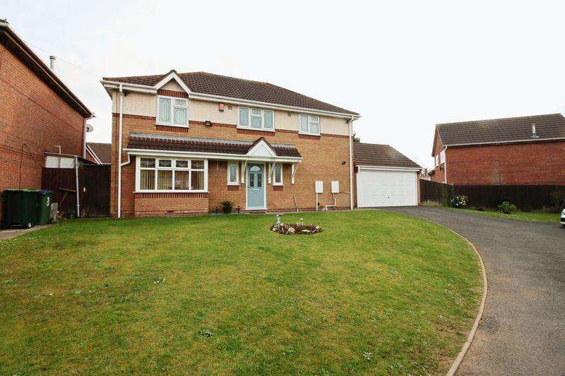 4 Bedrooms Detached House for sale in Amphlett Croft, Tipton