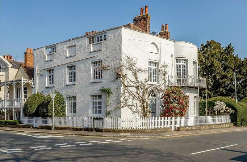 4 Bedrooms Semi Detached House for sale in High Street, Datchet, Berkshire