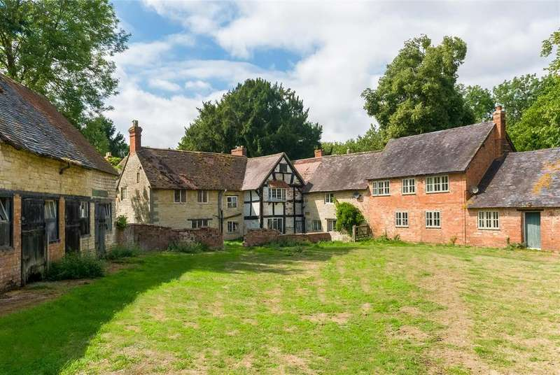 6 Bedrooms Farm House Character Property for sale in Walton, Warwickshire