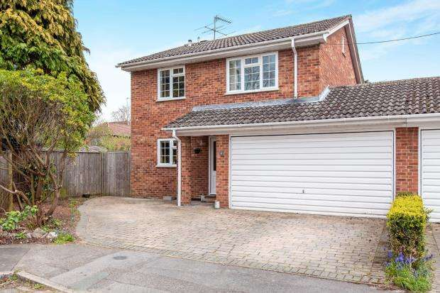 4 Bedrooms Detached House for sale in Maidenhead, Berkshire, Uk