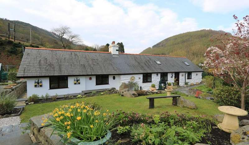 3 Bedrooms Stone House Character Property for sale in Hendy Cottage, Abergynolwyn, Nr. Tywyn LL36