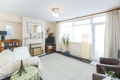 3 Bedrooms Maisonette Flat for sale in Limehouse, London