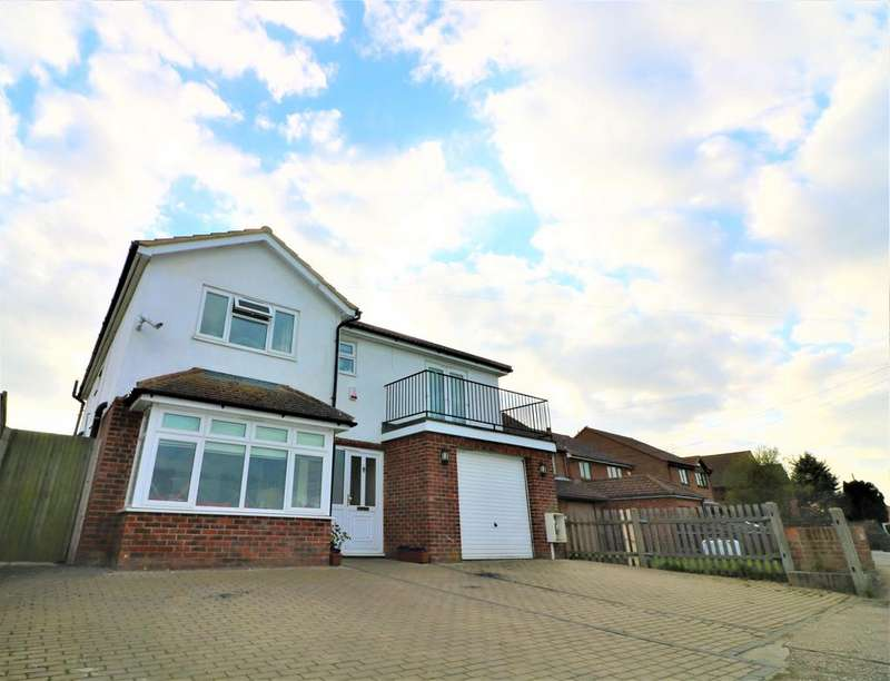 4 Bedrooms Detached House for sale in Middle Stoke ME3