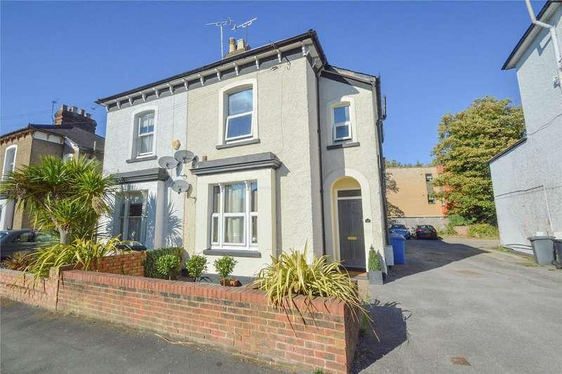 2 Bedrooms Maisonette Flat for sale in Norfolk Road, Maidenhead, Berkshire, SL6