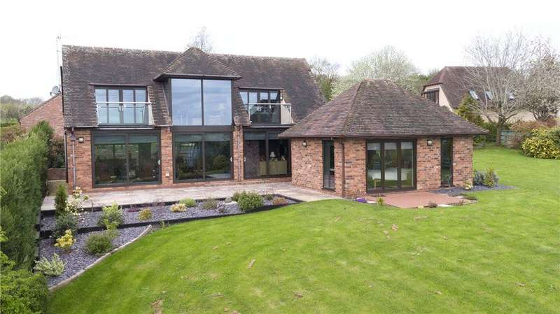 3 Bedrooms Detached House for sale in Low Road, Church Lench, Worcestershire, WR11