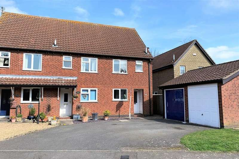2 Bedrooms Terraced House for sale in The Paddocks, Waltham On The Wolds