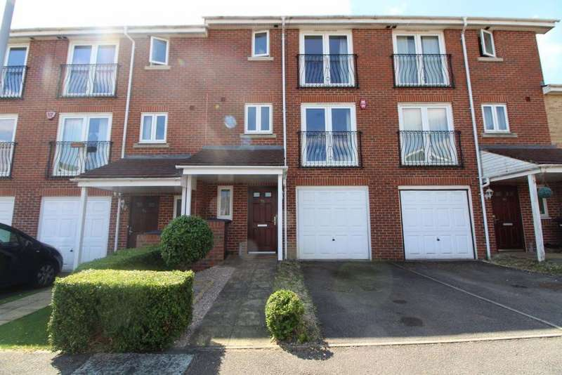 5 Bedrooms House for rent in Primrose Close - Ref: P9867 Available Mid June