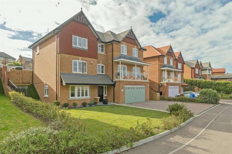 5 Bedrooms Detached House for sale in Carey Close, Eastchurch, Sheerness