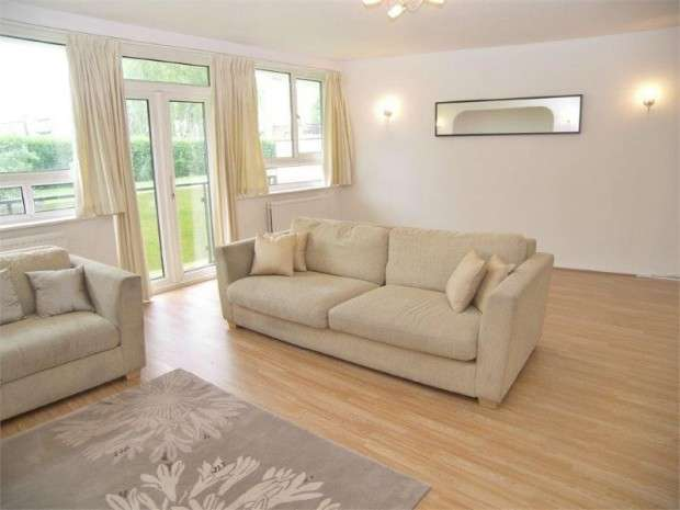 2 Bedrooms Flat for sale in Chessington Lodge, Regents Park Road, Finchley, N3