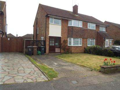 Semi Detached House for sale in Swifts Green Road, Luton, Bedfordshire