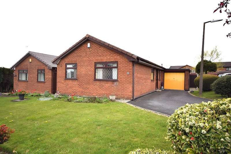 3 Bedrooms Detached Bungalow for sale in Broomway, Westhoughton BL5