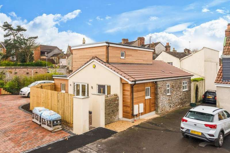 3 Bedrooms Detached Bungalow for sale in Jockey Lane, St George, Bristol, BS5