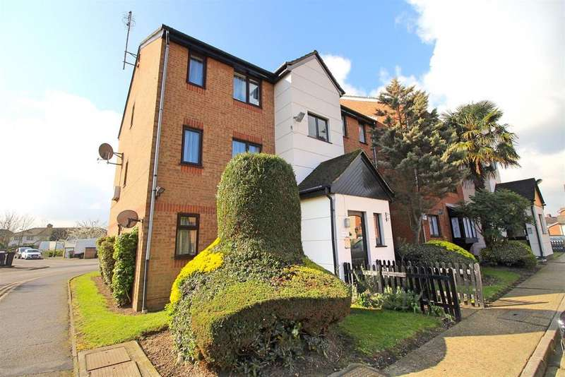 1 Bedroom Apartment Flat for sale in Plowman Close, Edmonton, N18