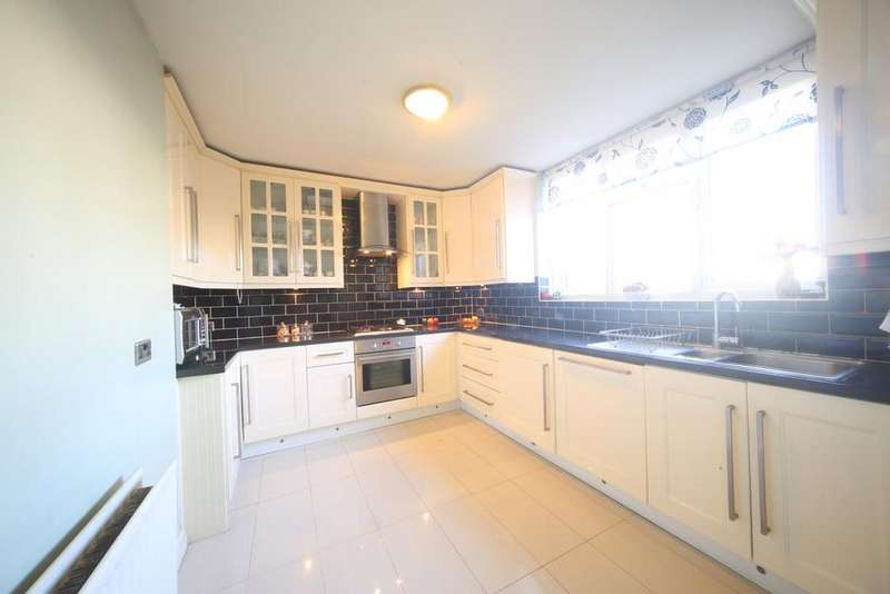 2 Bedrooms Terraced House for sale in Humber Way, Slough, SL3