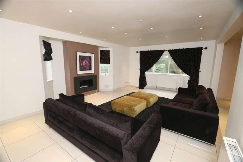 8 Bedrooms Detached House for sale in New Hall Road, Salford
