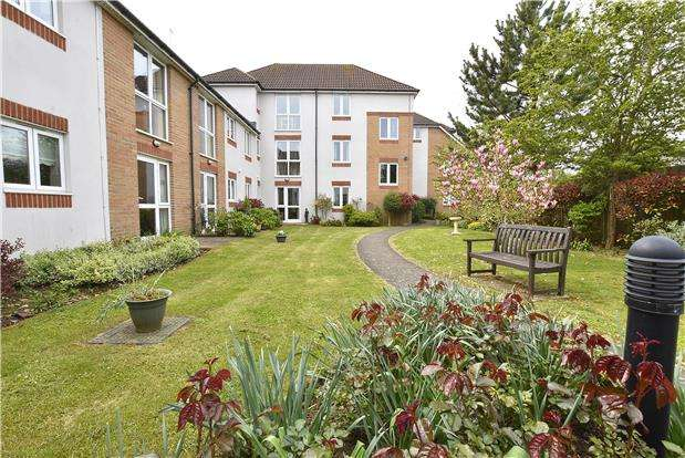 1 Bedroom Flat for sale in Cheltenham Road, Bishops Cleeve, GL52