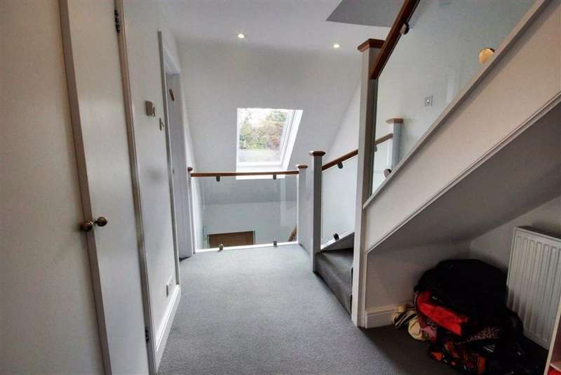 5 Bedrooms Detached House for sale in The Rise, Elstree, Herts