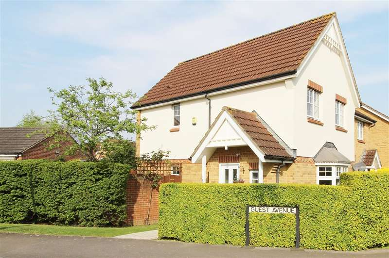 3 Bedrooms Semi Detached House for sale in Guest Avenue, Bristol