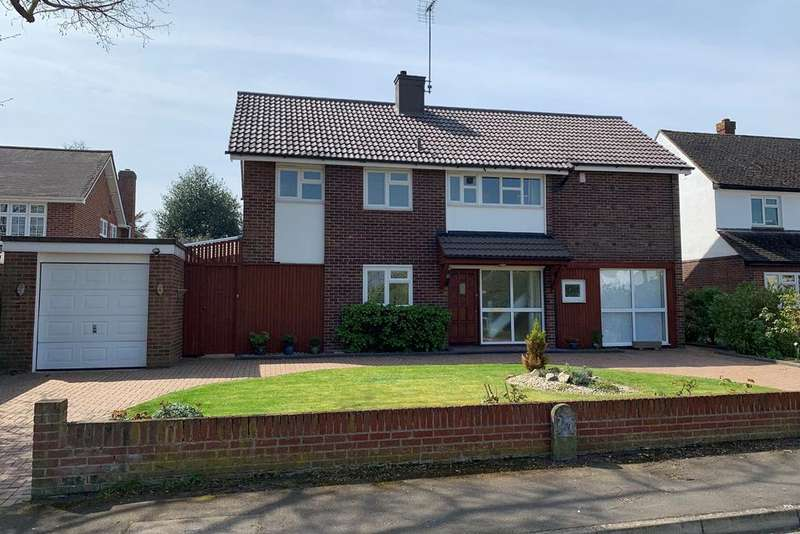 4 Bedrooms Detached House for sale in Lodge Avenue, Great Baddow, Chelmsford, CM2