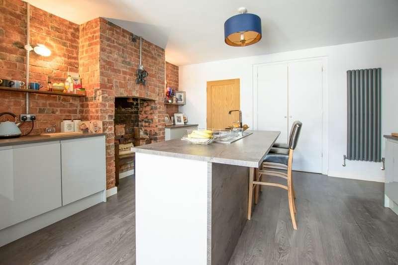 3 Bedrooms Semi Detached House for sale in Bouncers Lane, Prestbury, Cheltenham GL52 5JF