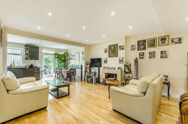4 Bedrooms House for sale in Priory Gardens, Ealing, W5
