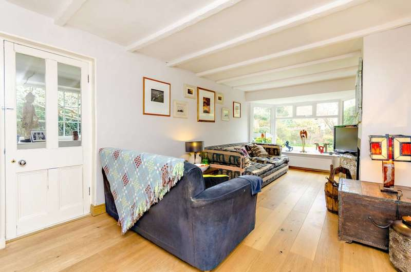 3 Bedrooms Semi Detached House for sale in Pirbright Road, Normandy, GU3